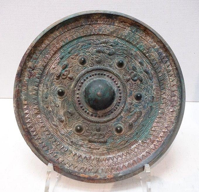三角縁神獣鏡も邪馬台国の位置特定の手がかりとされています