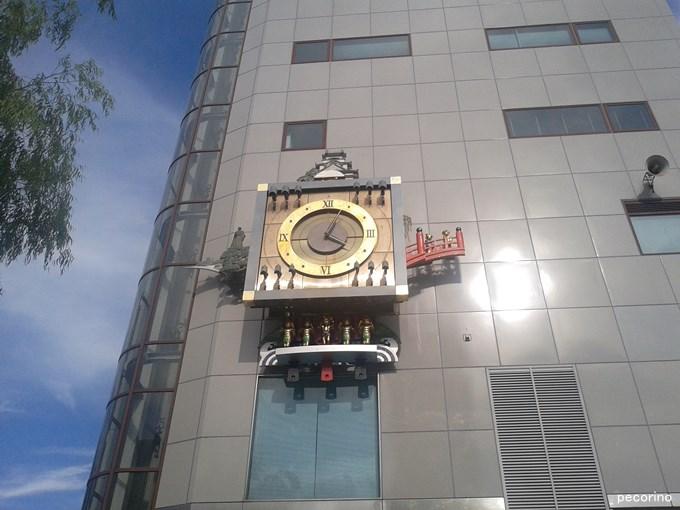 デンテツターミナルビルのからくり時計