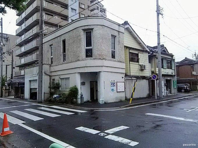 洋風の建物は介護施設として使用されていました
